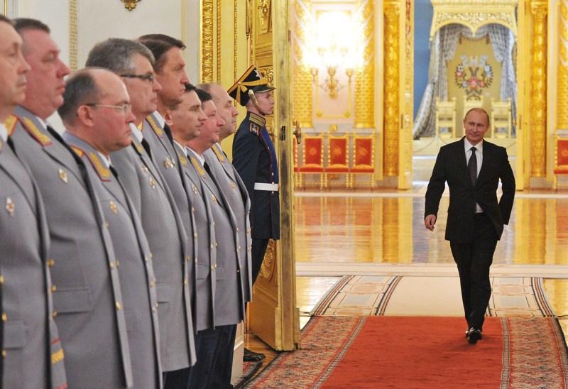 Путин и генералы