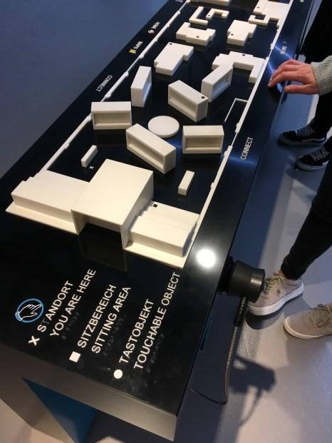 """Tastmodell der Ausstellung """"Das Netz"""""""
