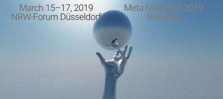 Bild des Meta Marathon 2019. Vor blauem Hintergrund erscheint eine einzelne Hand, die nach einer Kugel greift. In der Kugel spiegelt sich die Hand.