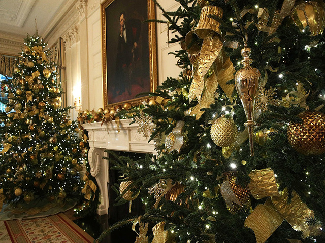 Washington Dc November 27 The State Dining Room At White House During A Press Preview Of 2017 Holiday Decorations
