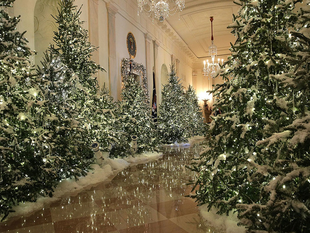 Washington Dc November 27 The Cross Hall At White House During A Press Preview Of 2017 Holiday Decorations In