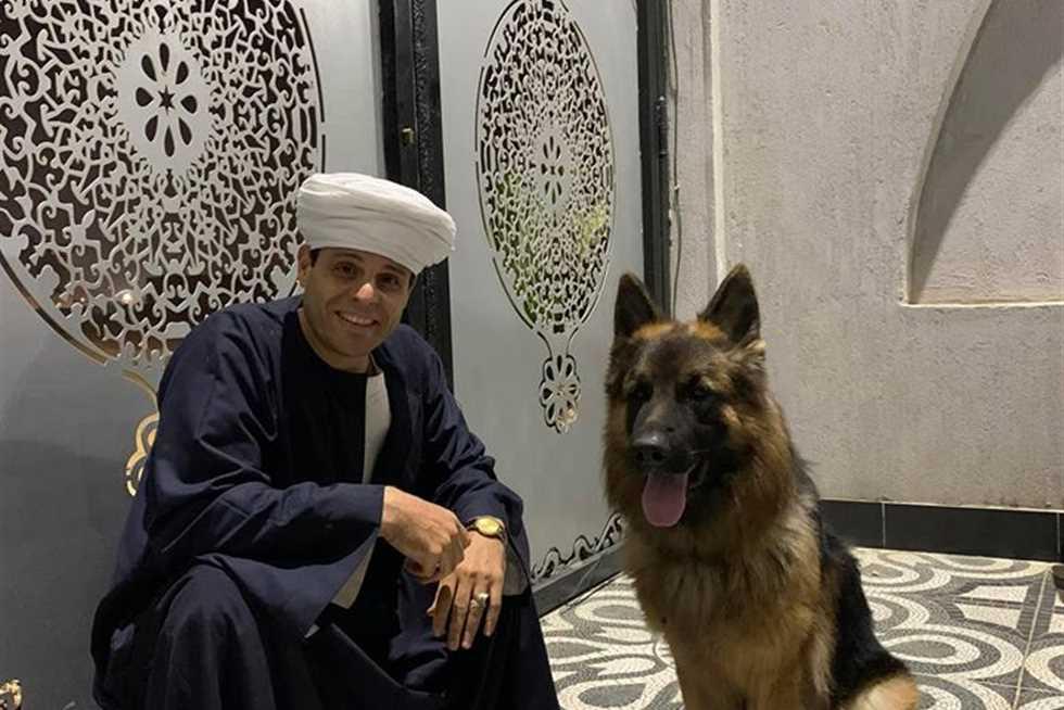 التهامي عن تربية الكلاب اللي يقولك نجس قوله ربنا مخلقش حاجة نجسة المصري اليوم