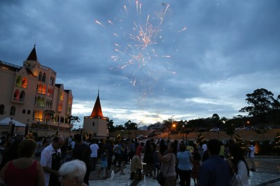 Fogos de artifício no fim da Santa Missa