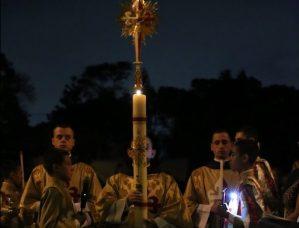 Vigília Pascal - Arautos do Evangelho - Basílica N. Sra. do Rosário de Fátima (6)