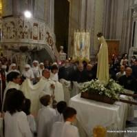 64-63-Rientro della fiaccolata in Basilica di Sant Elena, Araldi del Vangelo-001