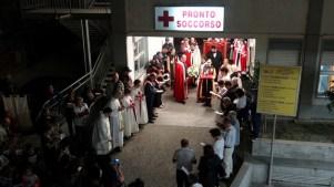 23092015_Niscemi_In processione al Presidio Ospedaliero Suor Cecilia Basarocco_009 (1024x576)