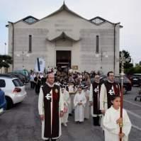 03-Corpus Domini ad Oriago di Mira. - Araldi del Vangelo.-002