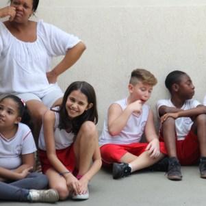 Crianças acompanham concerto com vivacidade 2