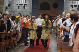 Vários alunos entraram com flores