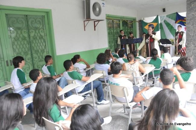 Projeto Futuro e Vida no Base Colégio e Curso, em Recife