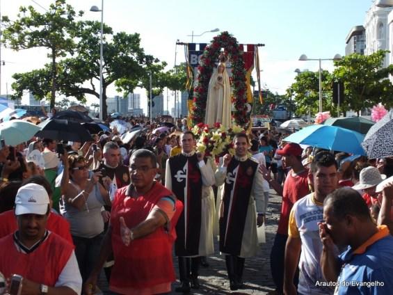 Imagem de Nossa Senhora durante Jornada Arquidiocesana da Juventude, em Recife
