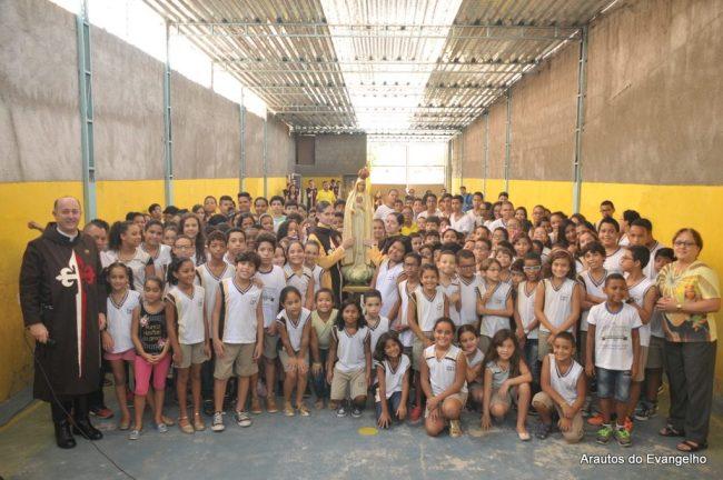 Colégio Santa Teresa - Arautos do Evangelho - Vista da Imagem de Nossa Senhora