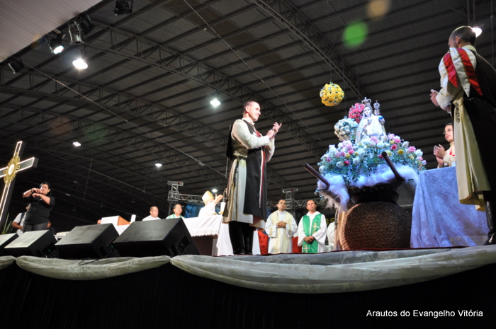 Missa de encerramento do Vinde Vede 2012, no Pavilhão de Carapina, Serra/ES