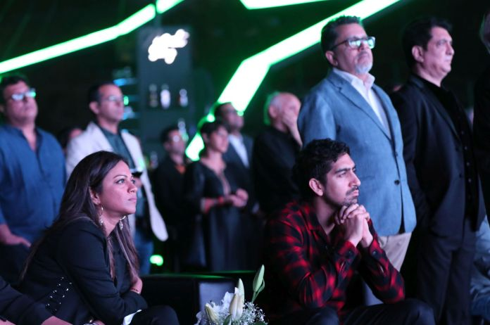 Image-Pooja-Shetty-and-Ayan-Mukherjee-(seated)-at-Hotstar-Specials-launch-MediaBrief