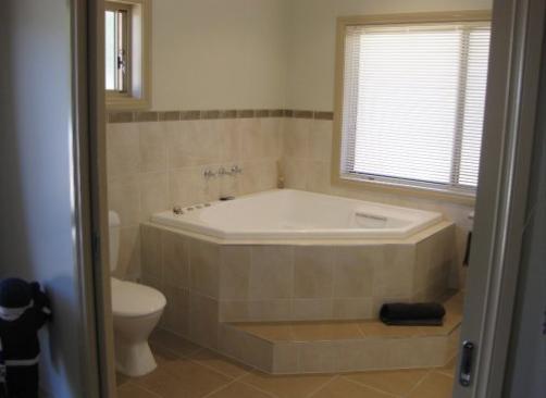 Corner Bath Design Ideas Get Inspired By Photos Of