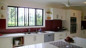 Do You Need A Kitchen Window Splashback? Hipagescomau