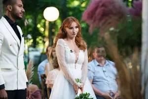 """Căsătoriți pe nevăzute"""". George și Cristina s-au căsătorit, în ciuda criticilor părinților ei"""