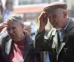 Rezolvarea din pix a crizei sistemului de pensii. Ce efecte ar produce creșterea vârstei de pensionare