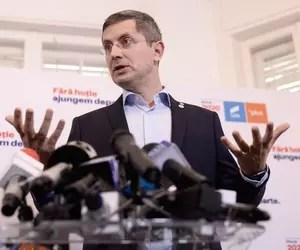 Dan Barna: Vom propune în coaliție să nu mai avem domiciliul pe cartea de identitate
