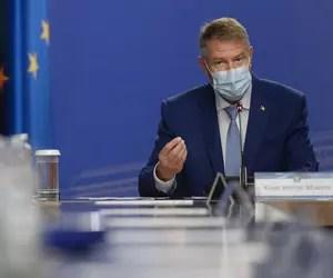 """Vrăjeli, abureli și alte socoteli din """"România Educată"""" a lui Iohannis"""