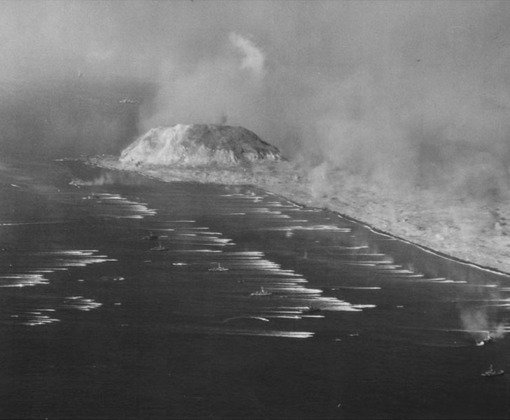 Description of  February 19, 1945:  The first landings on Iwo Jima. (US Navy photo)