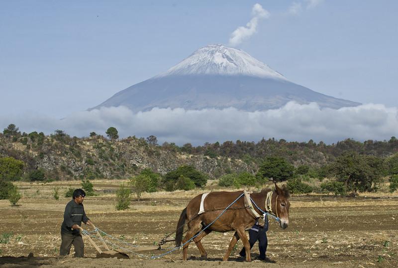Popocatepetl Volcano_23507.JPG