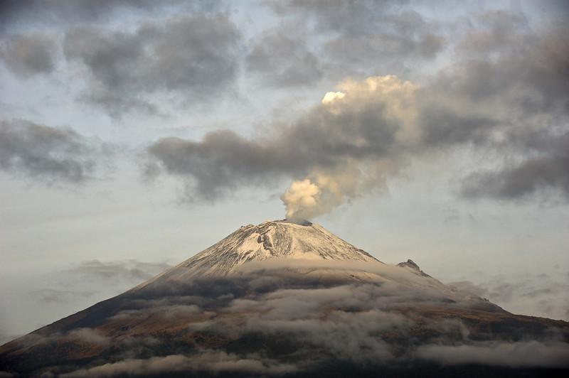Popocatepetl Volcano_23505.JPG