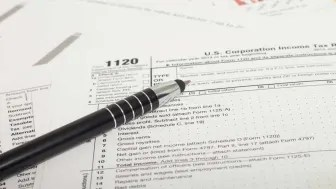 picture of corporate income tax form