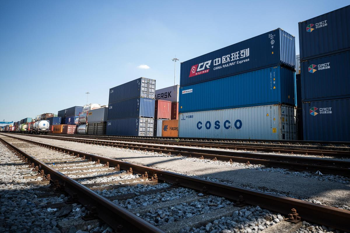 Risultati immagini per china railway container
