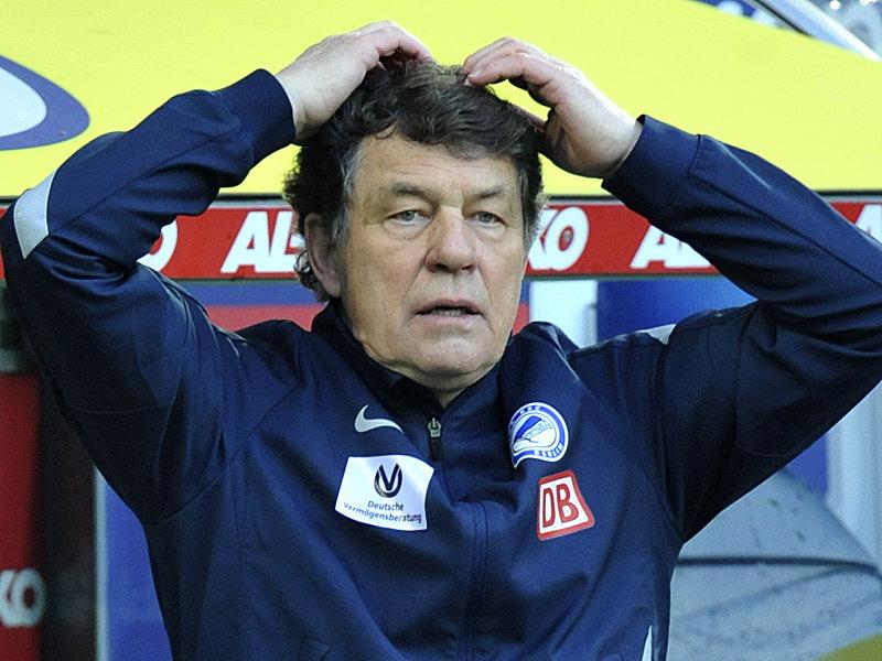 """Zum Haare Raufen: Ahnt """"König Otto"""", was er sich mit der Hertha angetan hat? Foto: kicker.de"""