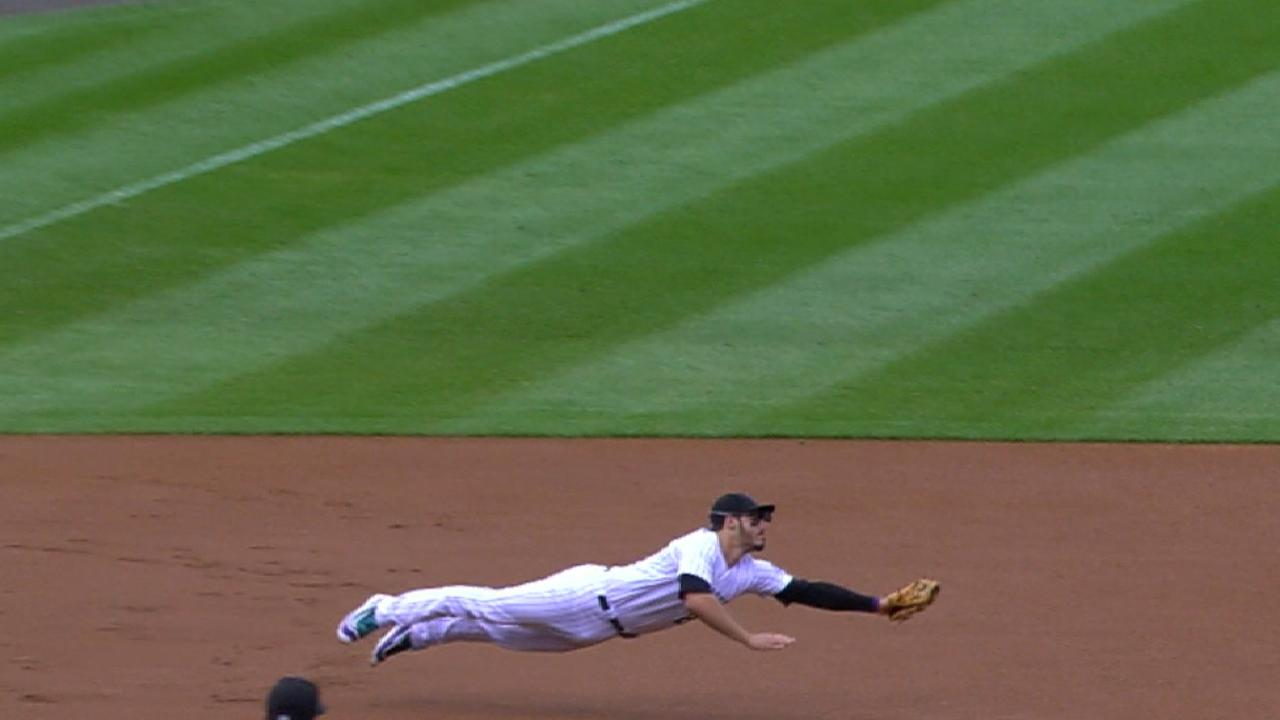 Arenado's superb diving play