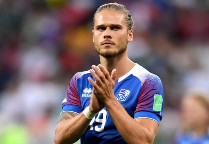 Foto: Getty Images / Rurik Gislason, bivši reprezentativac Islanda - Pročitajte više na: https://www.bljesak.info/sport/nogomet/najzgodniji-nogometas-svjetskog-prvenstva-2018-objavio-kraj-karijere/329677