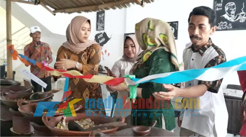 Rumah makan Bakoel Sulawesi resmi beroperasi di Kota Kendari, pada 28 Desember 2018