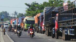 truk angkutan barang