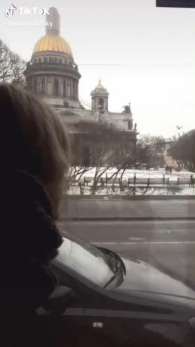 Американцы снимают видео о том, как мечтают переехать в Россию. Но в социальных сетях такие порывы не оценили
