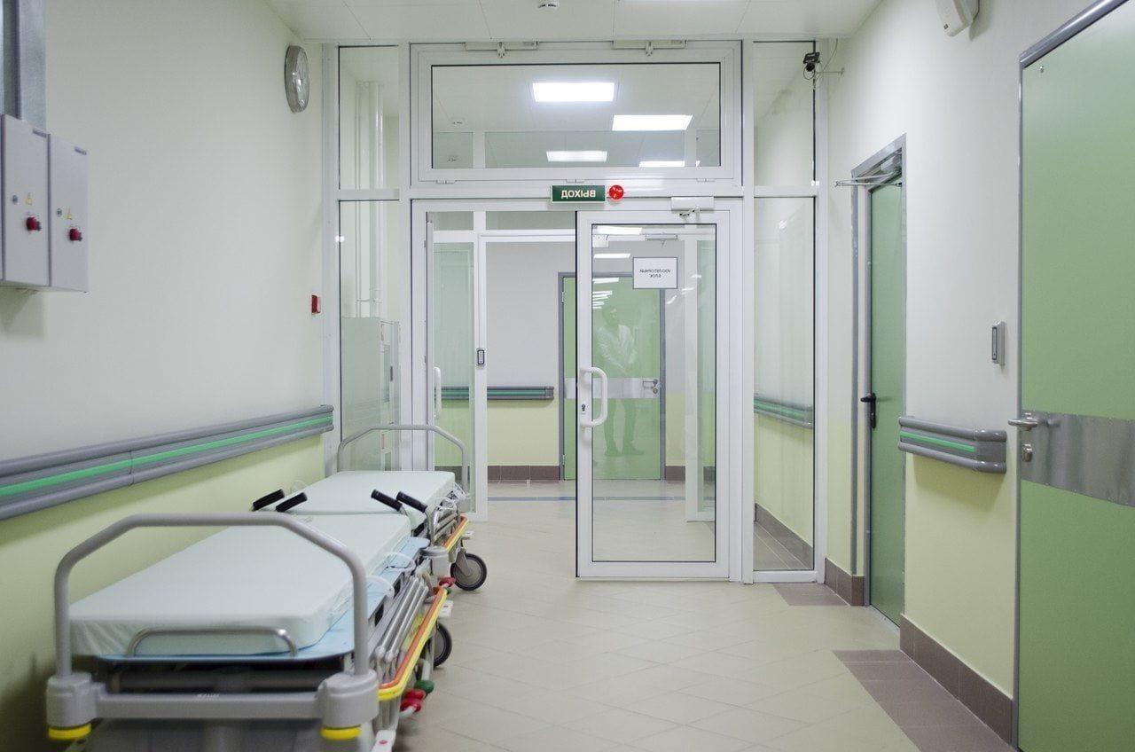 """Поликлиники Петербурга наконец откроют двери для пациентов. Горожанам больше не придётся ждать """"острой нужды"""""""