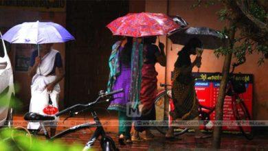 Photo of പോളിങ്ങിൽ വെള്ളം ചേർത്ത് സംസ്ഥാനത്താകെ കനത്ത മഴ