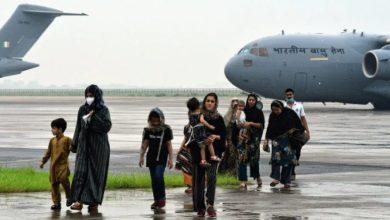 Photo of വിശുദ്ധ ഗ്രന്ഥം തലയിൽ ചുമന്ന് കേന്ദ്രമന്ത്രിമാർ; ദേവീശക്തിയിലൂടെ അഫ്ഗാനിൽ നിന്ന് ഇന്നലെ നാട്ടിലെത്തിയത് 78 പേർ