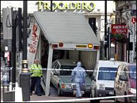 london police defuse car bomb