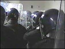 uk police train for riot scenarios