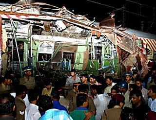 mumbai attacks pave way for obama into pakistan