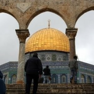 israeli forces raid al-aqsa mosque, the dome of the rock
