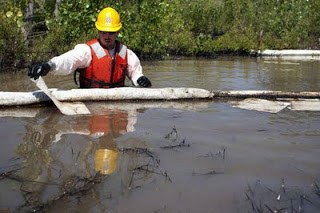 42,000 gallons of oil dumped into yellowstone river