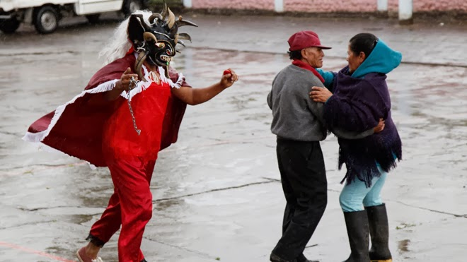 Ecuadorans Take To The Streets To Dance With The Devil