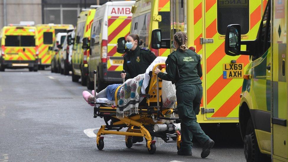 أرقام مرعبة لحصيلة الإصابات والوفيات لكورونا في العالم