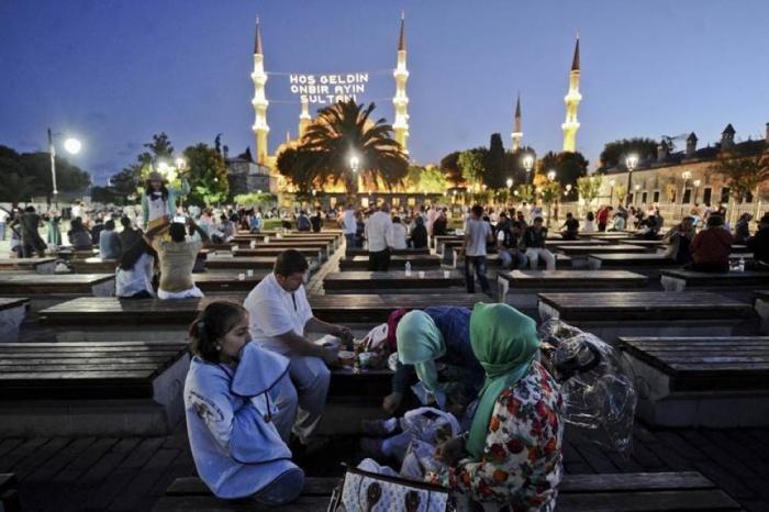 رئاسة الشؤون الدينية تحدّد أيام رمضان المبارك والعيد