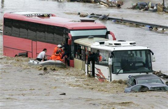 فيضانات إزمير (الصورة أرشيفية)