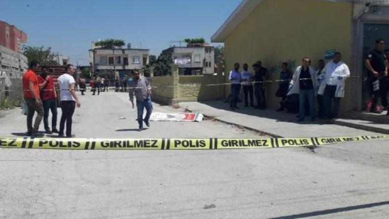 طعن سوري وترحيل اثنين في ولاية مرسين التركية