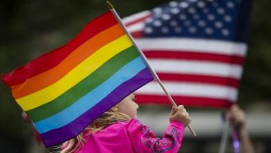 """السماح للسفارات الأميركية برفع """"علم المثلية"""""""