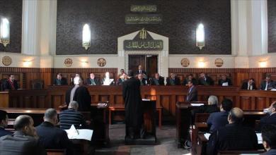 محكمة مصرية تقضي بإعدام أب ونجليه قتلوا شاباً وسط الشارع